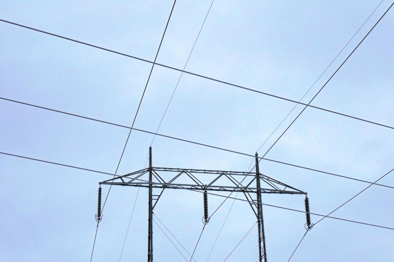 Energitap: Om strømmen sendes fram og tilbake til Tyskland, vil energitapet være 30 prosent, skriver innsenderen. Foto: NTB scanpix