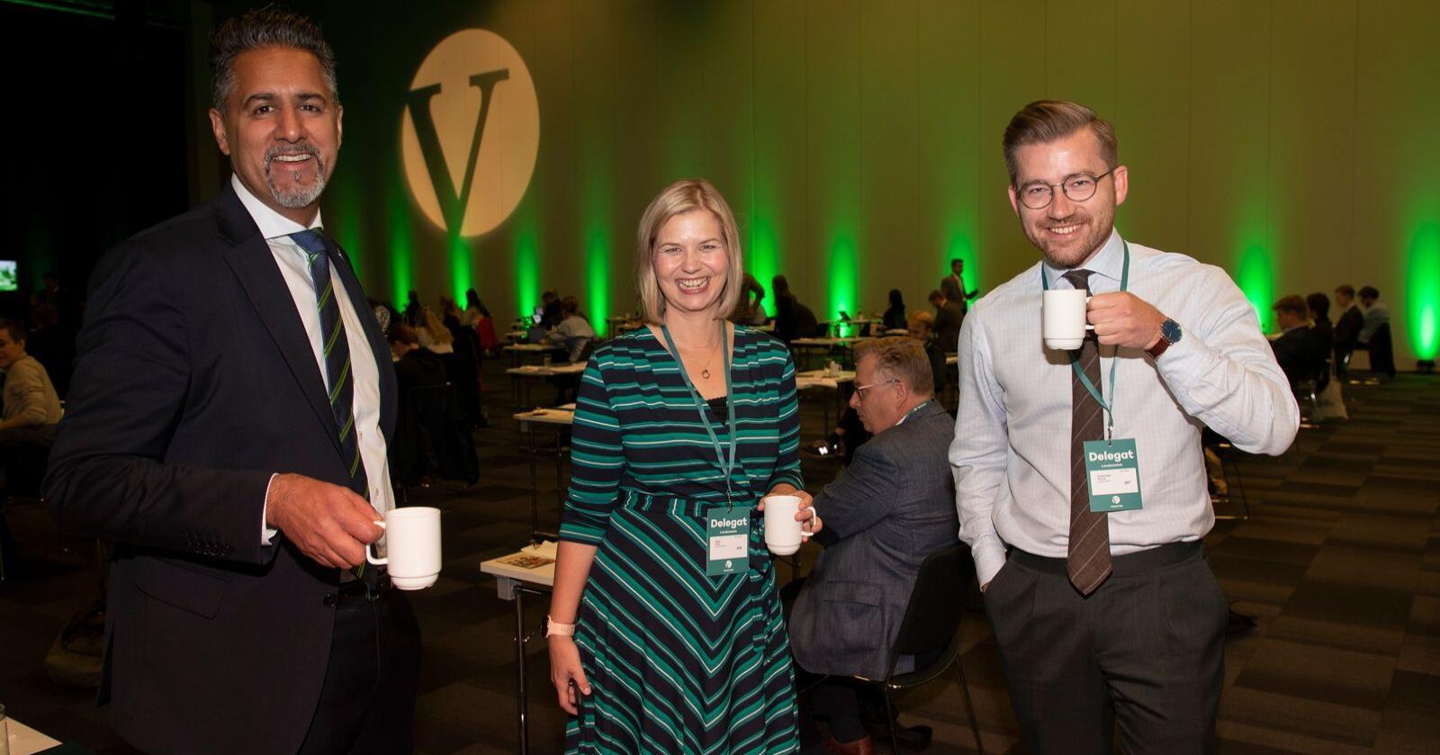 Påtroppende ledertrio: Abid Raja, Guri Melby og Sveinung Rotevatn var tydelig i godt humør fra start under landsmøtet til Venstre i helga.Foto: Geir Olsen / NTB