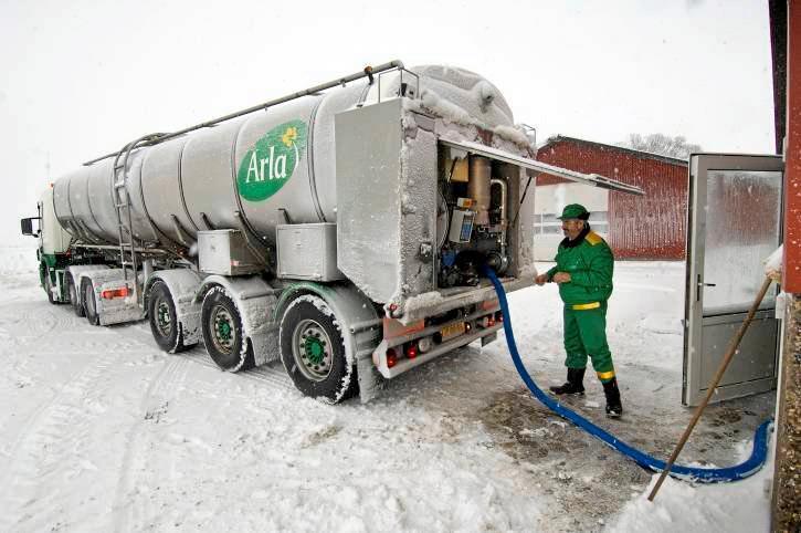 En melkebil fra Arla havnet i grøfta tirsdag. Dette bildet har ingen sammenheng med saken som er omtalt i teksten under. Illustrasjonsfoto: CH Claus Haagensen