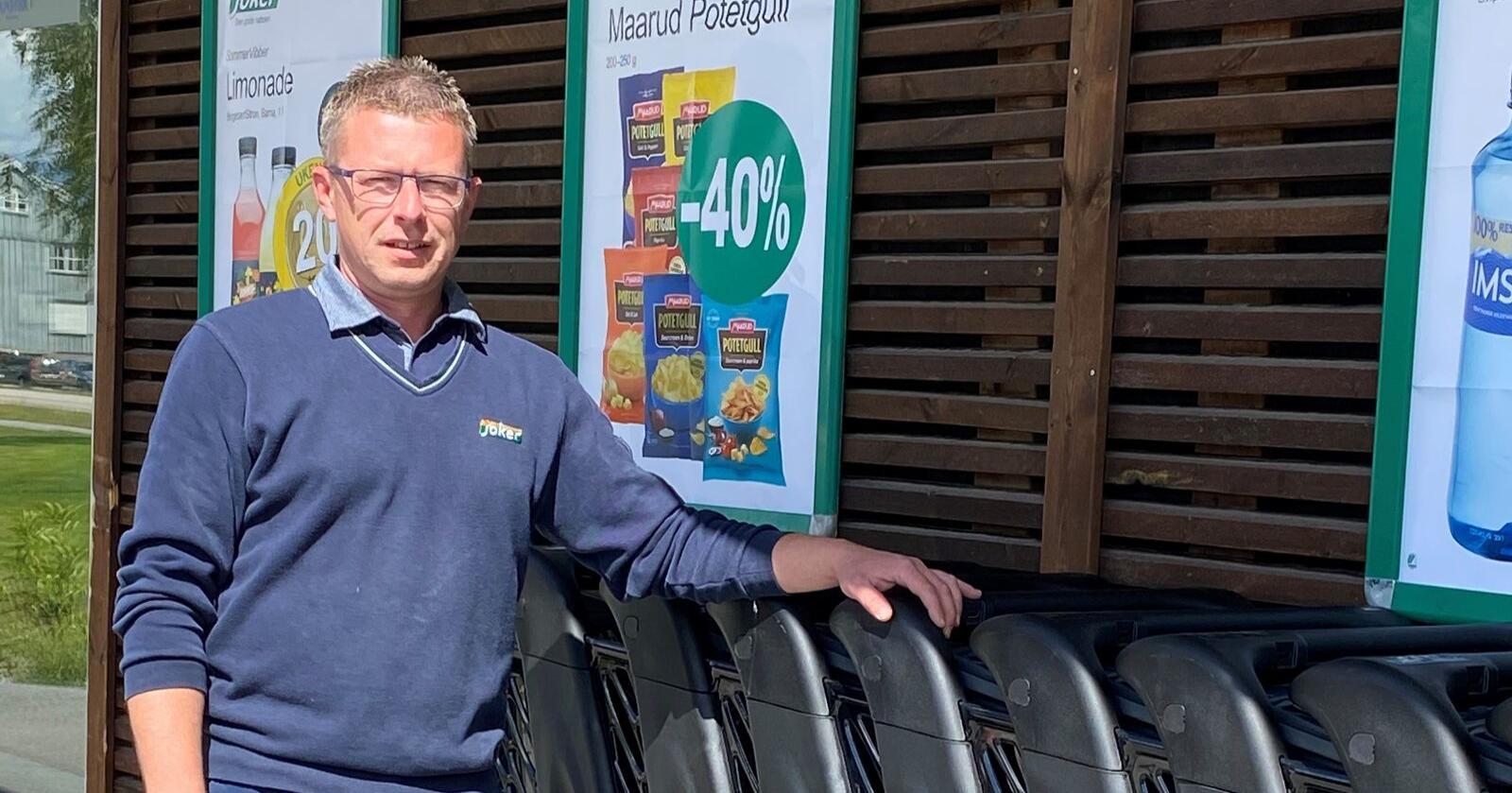 Det har vore post-i-butikk i Aremark i åtte år. No vurderer Bjørn Vidar Lihagen å legge ned tilbodet. Foto: Privat