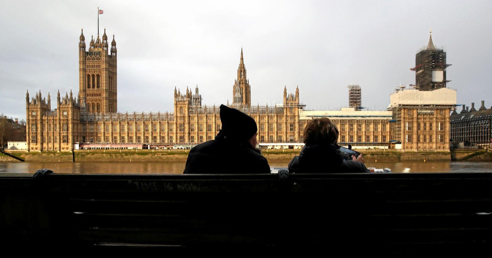 """Mange """"huleboere"""": Brexit-tilhengerne vant valget, og har flertall i det britiske parlamentet. I løpet av januar skal brexit gjennomføres. Foto: AP Photo/Thanassis Stavrakis, NTB scanpix"""