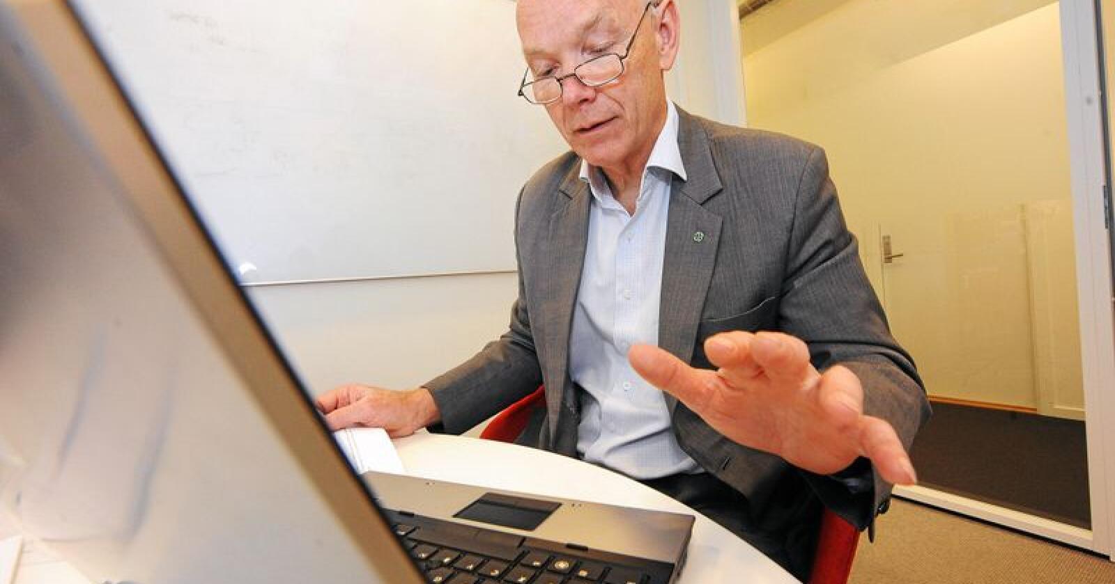 Store erstatninger: Per Olaf Lundteigen (Sp), tror at avlingsskadeerstatninga kan ende på 2-3 milliarderer etter årets tørkesommer.