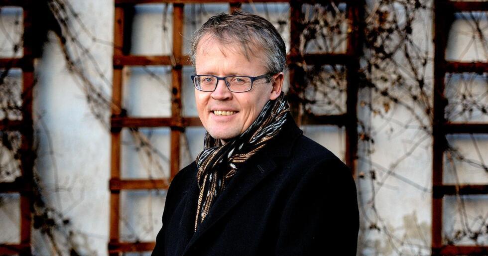 Ola Hedstein, administrerende direktør i Norsk Landbrukssamvirke forteller at det er mange påmeldte til årets Mat og Landbruk-konferanse. Foto: Siri Juell Rasmussen.