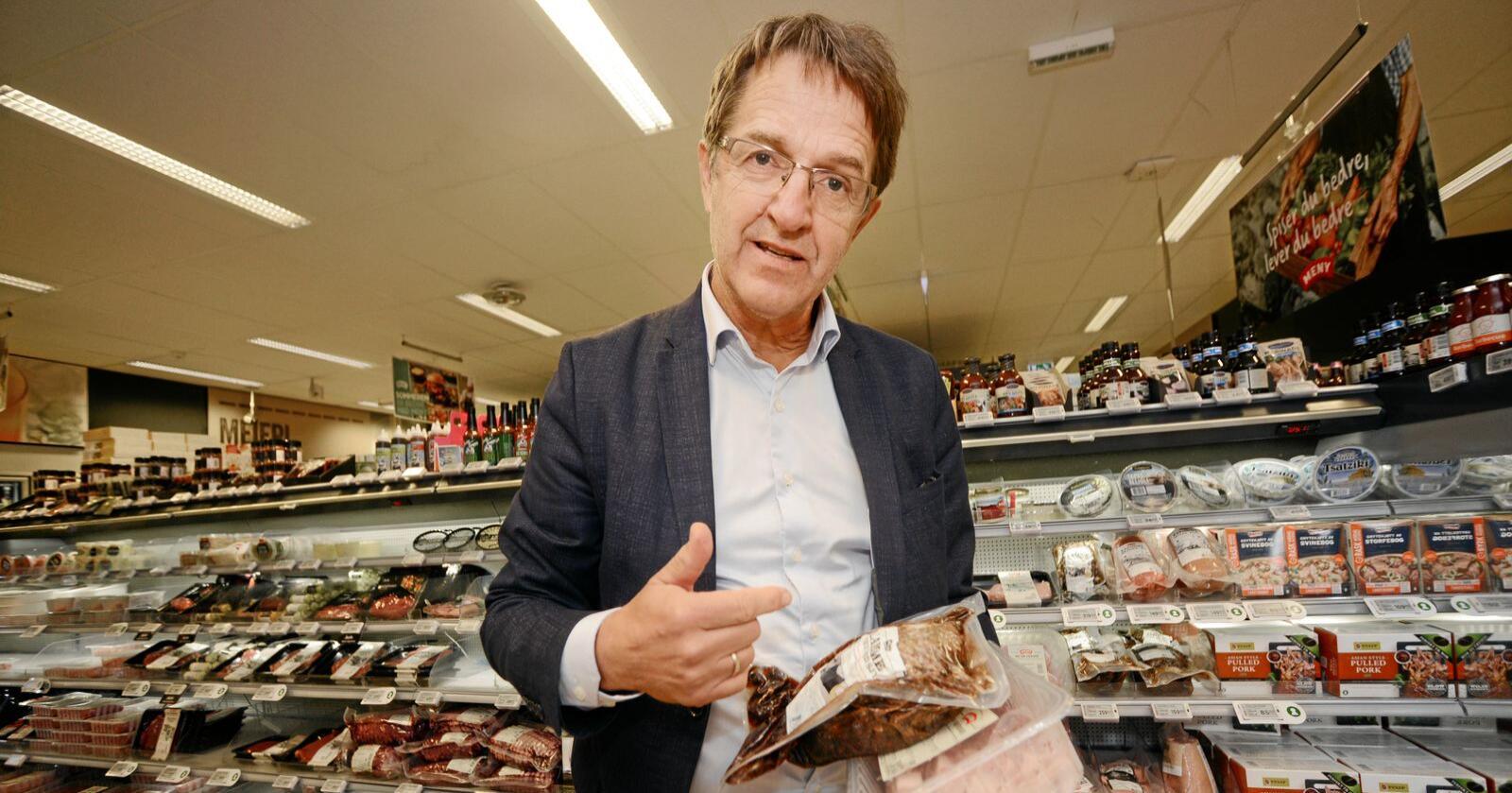 Seniorrådgiver ved Norsk institutt for bioøkonomi (NIBIO), Ivar Pettersen, er bekymret for at kjedene kan bli mindre villige til å forplikte seg på priskonkurranse, etter at Konkurransetilsynet tirsdag varslet om 21 milliarder kroner i gebyrer til  Norgesgruppen, Coop og Rema 1000 for prissamarbeid. Foto: Siri Juell Rasmussen
