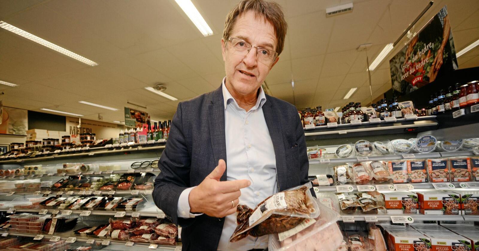 Omlegging: Ivar Pettersen, seniorrådgjevar ved Norsk institutt for bioøkonomi, seier det er behov for å endre heile verkemiddelsystemet for at ei inntektsopptrapping ikkje skal føre til overproduksjon og kraftig auke i leigekostnader og kapitalutgifter i jordbruket. Foto: Siri Juell Rasmussen