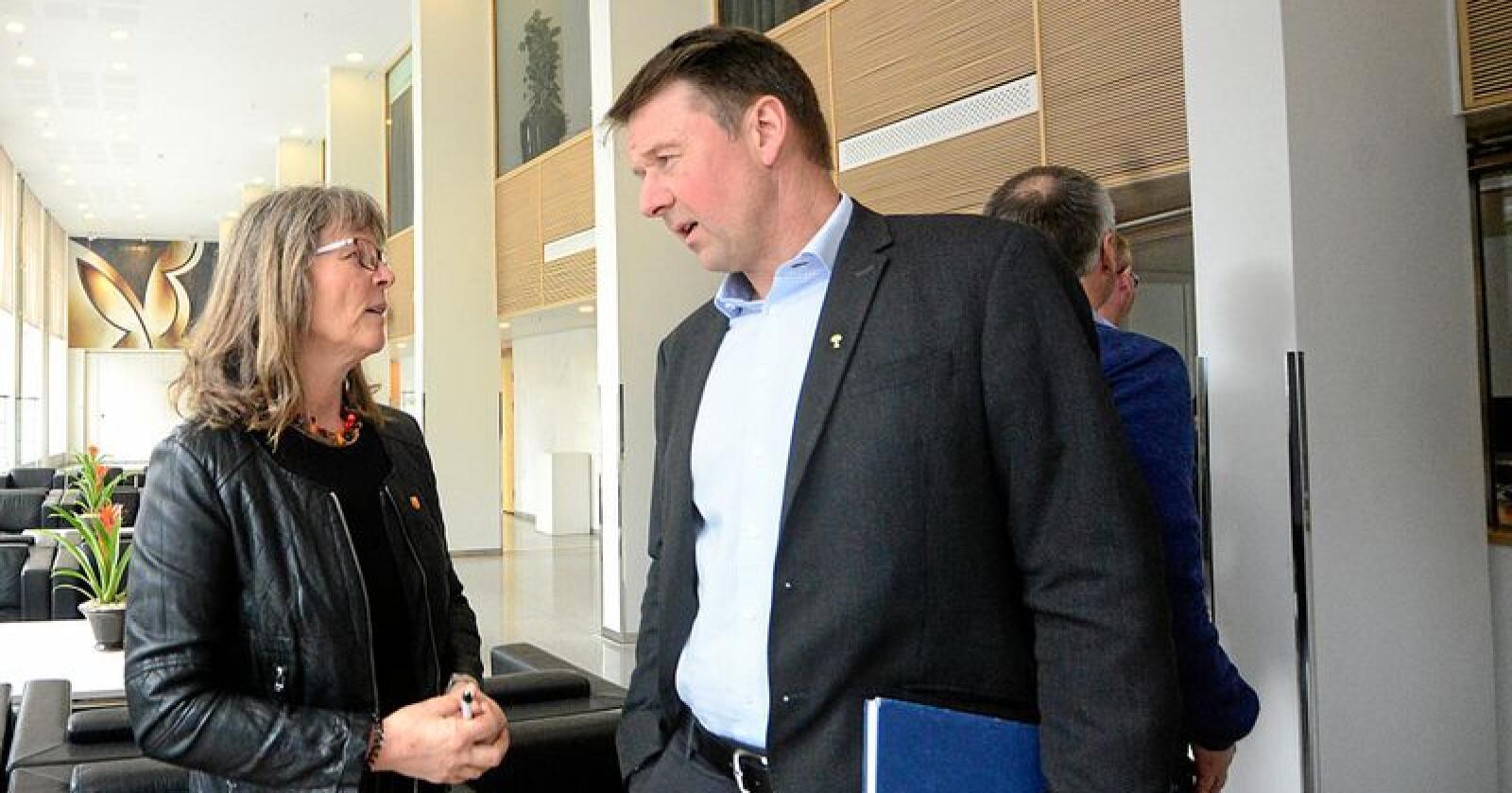 Kjersti Hoff og Lars Petter Bartnes forhandler med staten for bondeorganisasjonene. Foto: Siri Juell Rasmussen