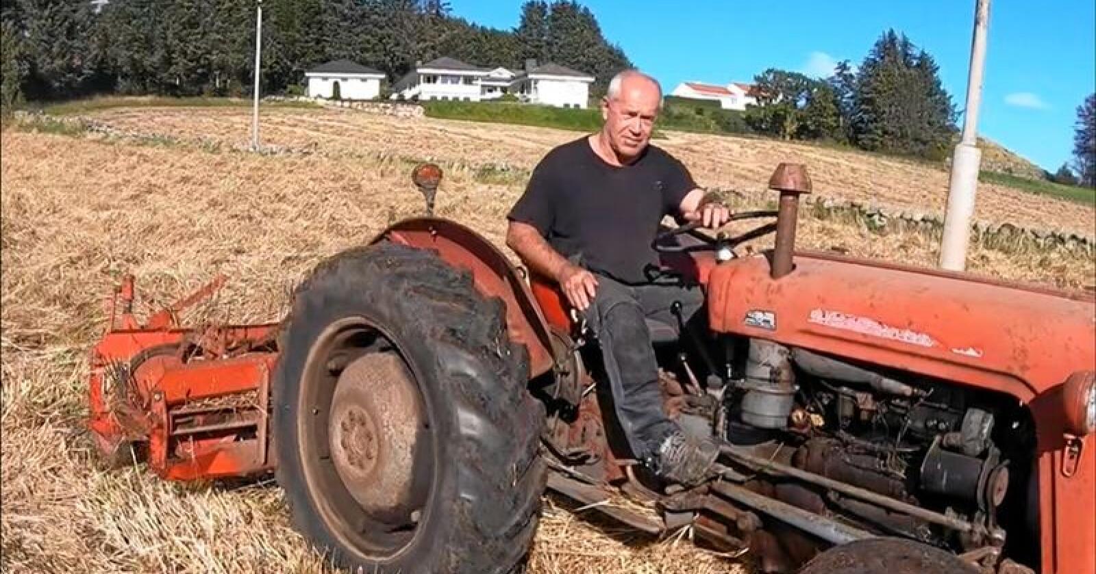 Kvotekutt: Jarle Skei frå Sandnes er blant mjølkebøndene som rasar mot forslaget frå Bondelaget om å kutte i grunnkvoten. Det meiner han bryt både mot eigedomsretten og jordbruksavtalen som blei inngått i vår. Foto: Arvid Gimre