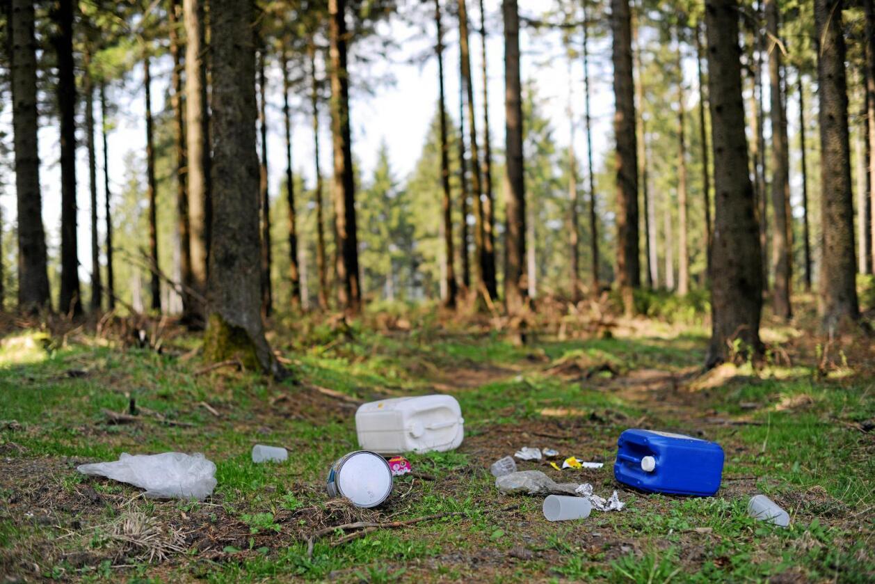 For mye plast: Plastflommen må stanses med helt andre og politiske grep, skriver Kari Gåsvatn. Foto: Frank May / NTB scanpix