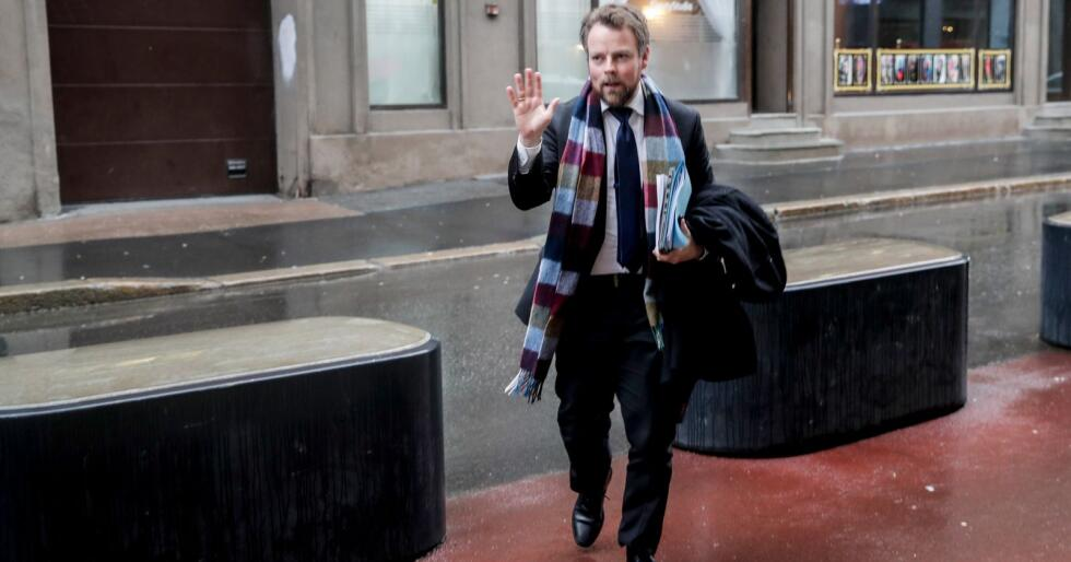 Næringsminister Torbjørn Røe Isaksen la fredag frem en ny lov om god handelsskikk i dagligvarebransjen. Foto: Vidar Ruud / NTB scanpix