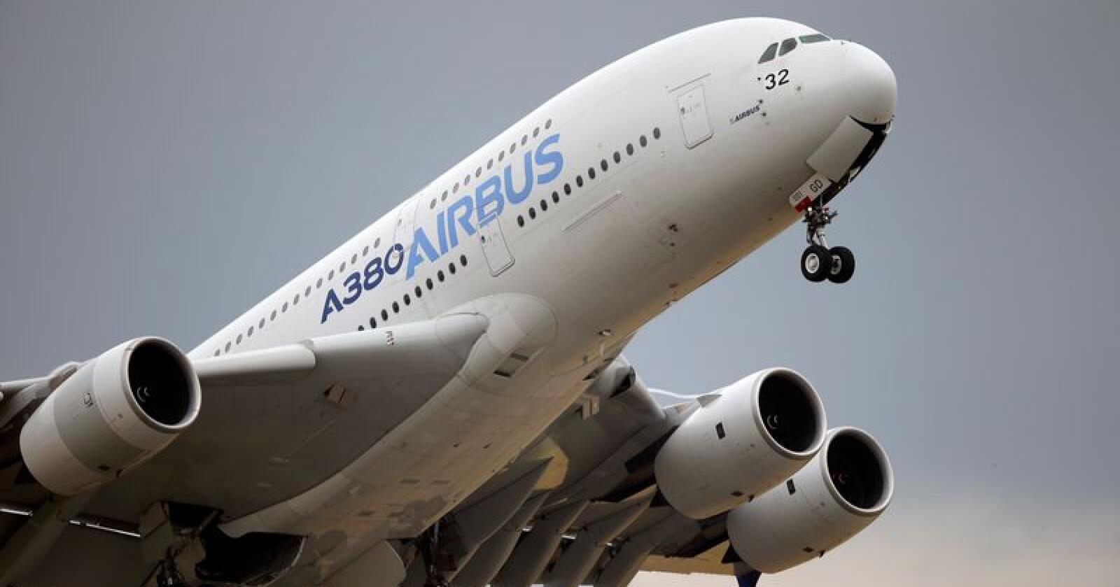 Både EU og USA har gitt ulovlig støtte til sine respektive flyprodusenter, Airbus og Boeing. Nå forbereder europeerne seg på å svare på straffetollen USA har innført på import fra EU. Illustrasjonsfoto: François Mori / AP / NTB scanpix
