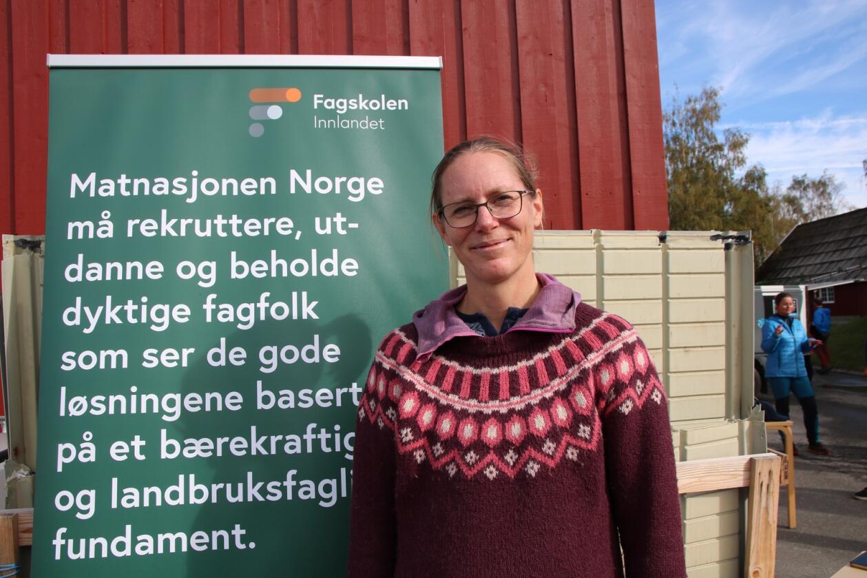 STUDIE: Hilde Hauge Langeland forteller at Fagskolen Innlandet vil tilby et praktisk rettet studie i presisjonslandbruk.