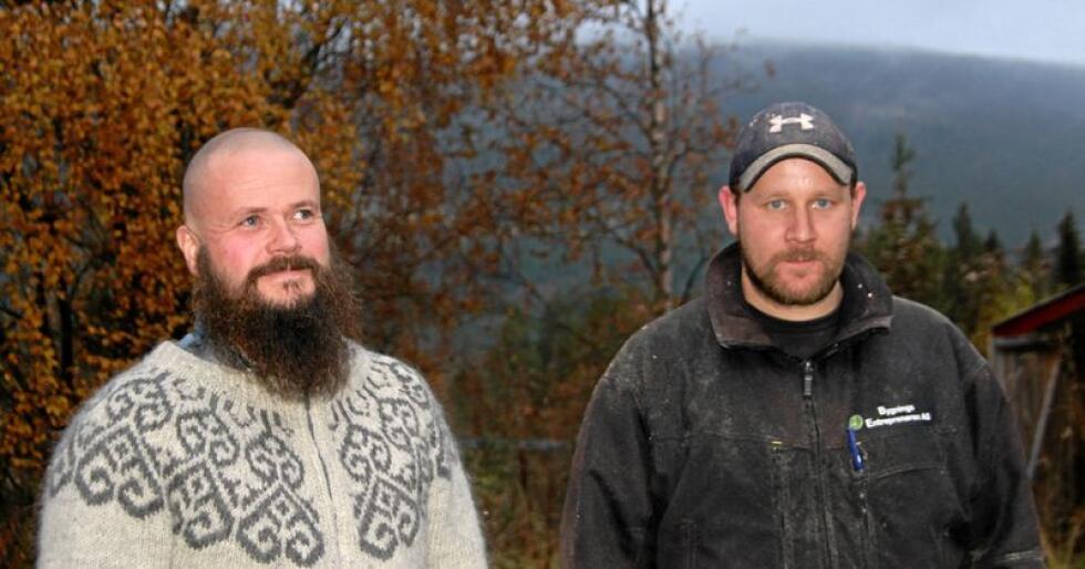 Gaute Ingebrigtsen og Robert Bekkevold er begge medlemmer av beitelaget Sølendalen Hamnelag. De nekter å gi seg med å slippe sau på utmarksbeite i Rendalen i Hedmark. Foto: Svein Egil Hatlevik