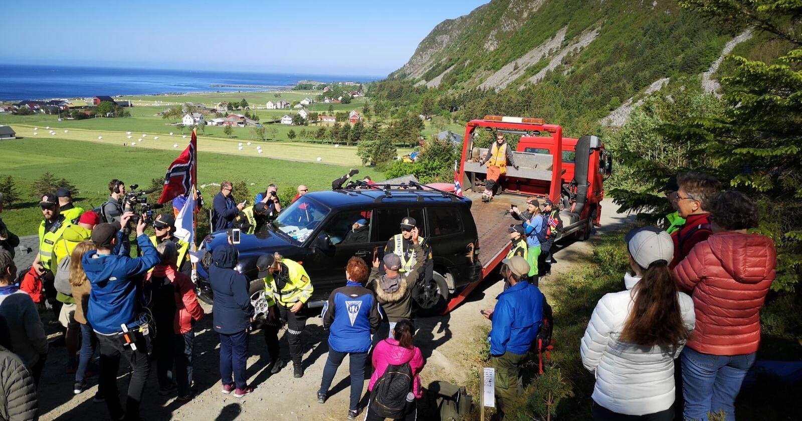 Utbyggingen av vindkraftanlegget på Haramsøya har skapt sterke reaksjoner og flere protester. Nå er byggingen i gang. Foto: Hilde Beate Ellingsæter / Norde / NTB / NPK