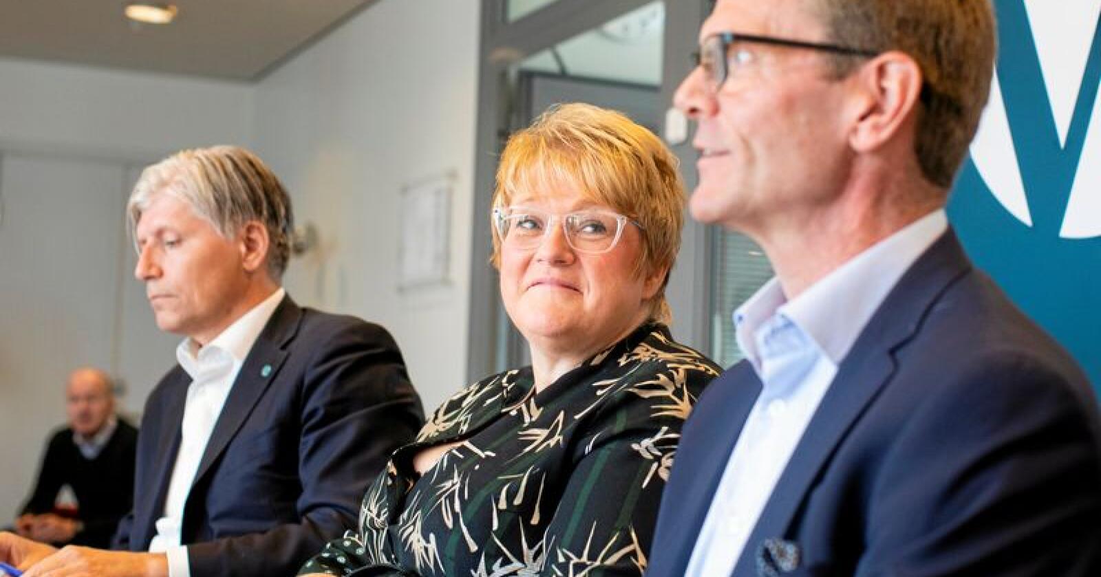 Nestleder Terje Breivik (t.h.) understreker at målingen er altfor dårlig for Venstre. Her er han sammen med partileder Trine Skei Grande og nestleder Ola Elvestuen.  Foto: Tore Meek / NTB scanpix