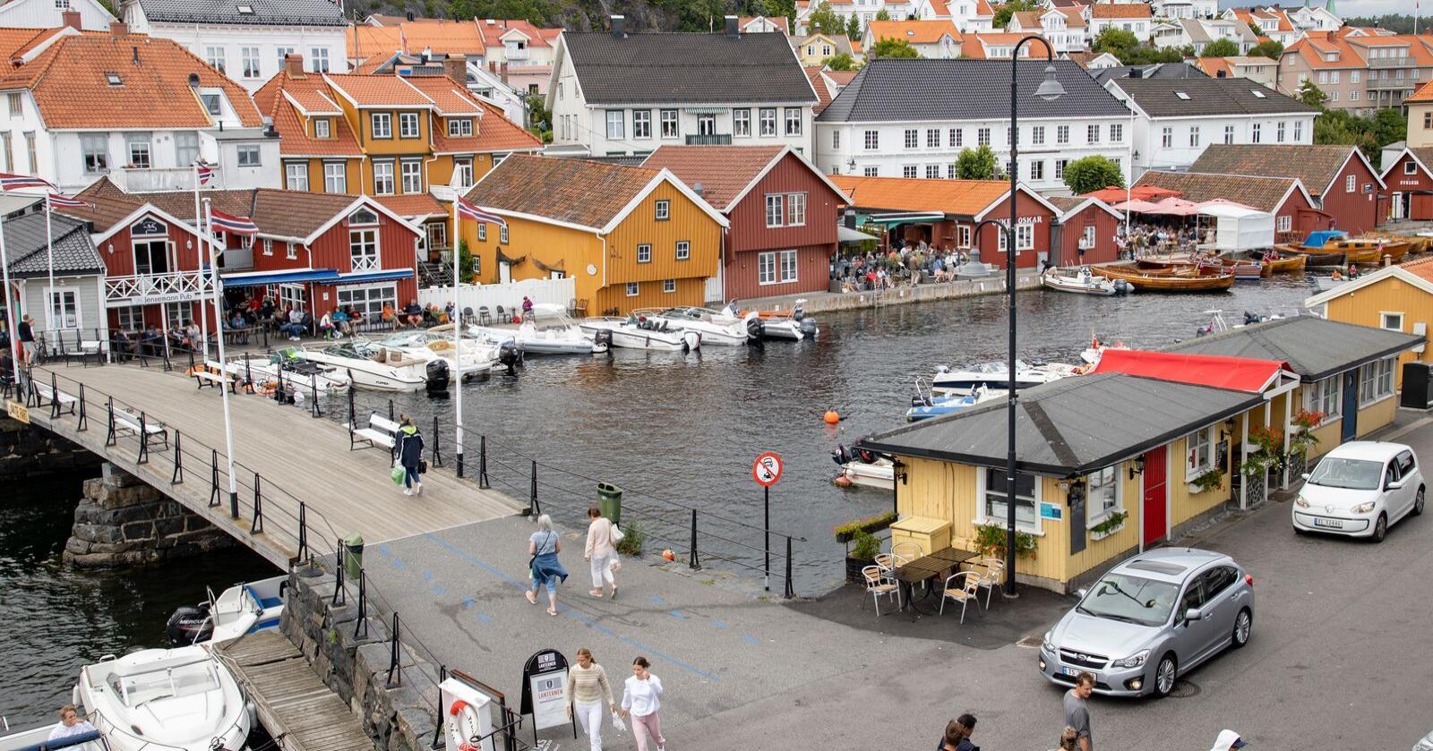Mindre byer som Kragerø er viktige, men blir glemt, mener Linda Hofstad Helleland (H). Foto: Geir Olsen / NTB