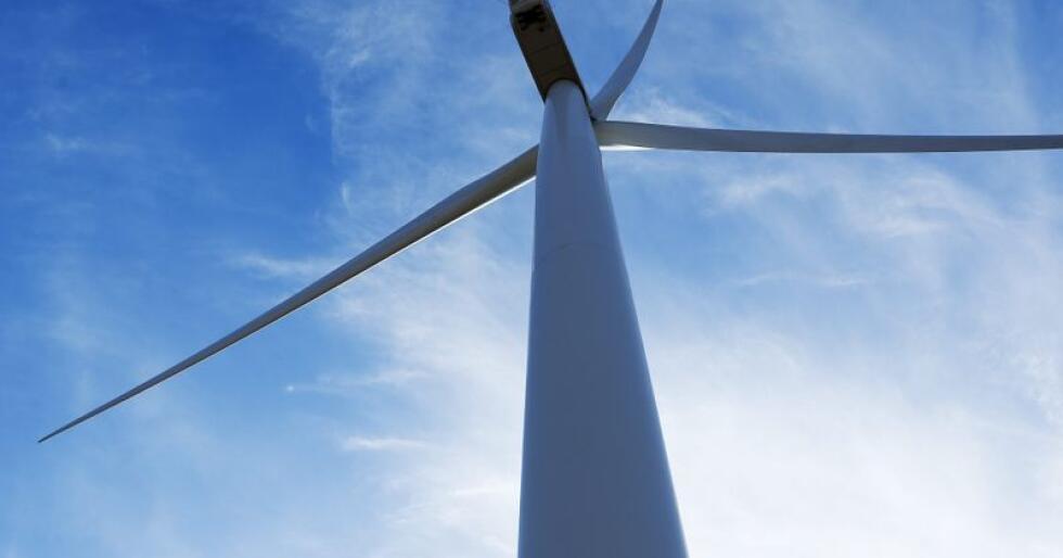 En av vindturbinene i Midtfjellet vindpark i Fitjar kommune. Foto: Jan Kåre Ness / NTB scanpix
