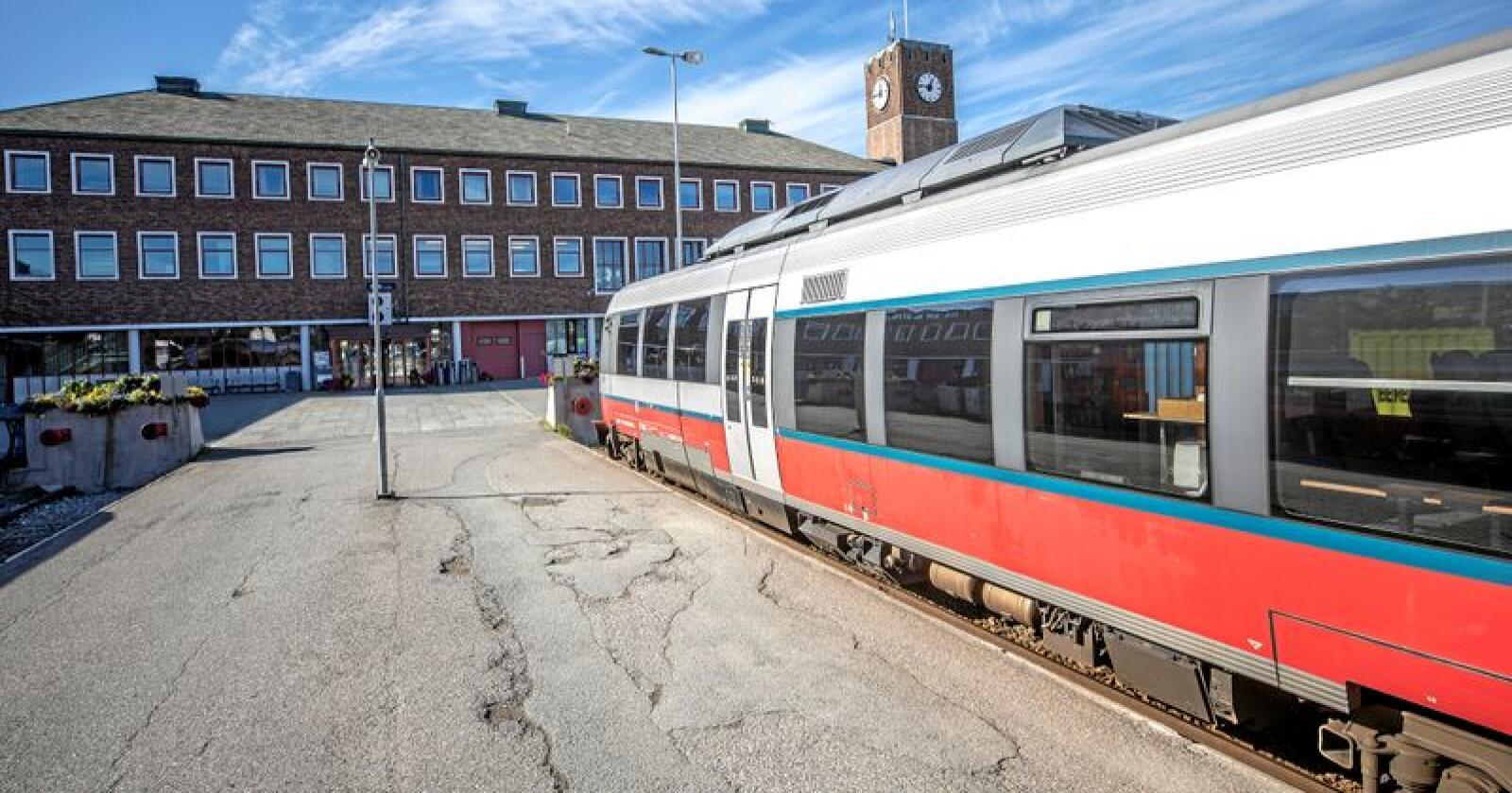 Hit går toget: Nordlandsbanen går til Bodø. Skal vi bygge Nord-Norgebanen? Foto: Per-Inge Johnsen / NTB scanpix