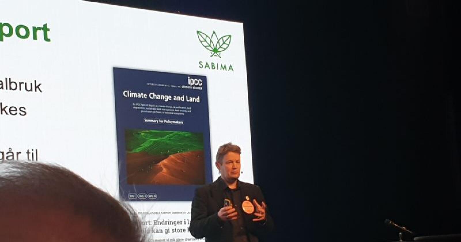 Generalsekretær Christian Steel i miljøorganisasjonen Sabima meiner tap av natur er like skummelt som klimakrisa. Foto: Kjell Åsmund Sunde / NPK