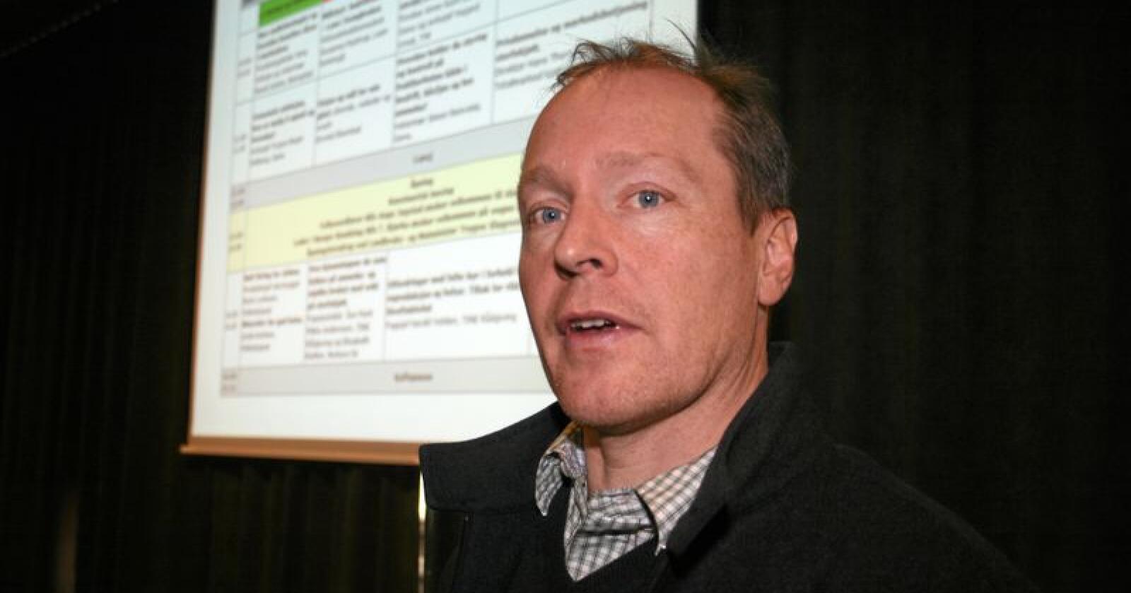 Importkvotar: Landbruksanalytikar Christian Anton Smedshaug i Agri Analyse seier kvoteimporten gir tapt verdiskaping, færre arbeidsplassar og redusert sjølvforsyning. Foto: Bjarne Bekkeheien Aase