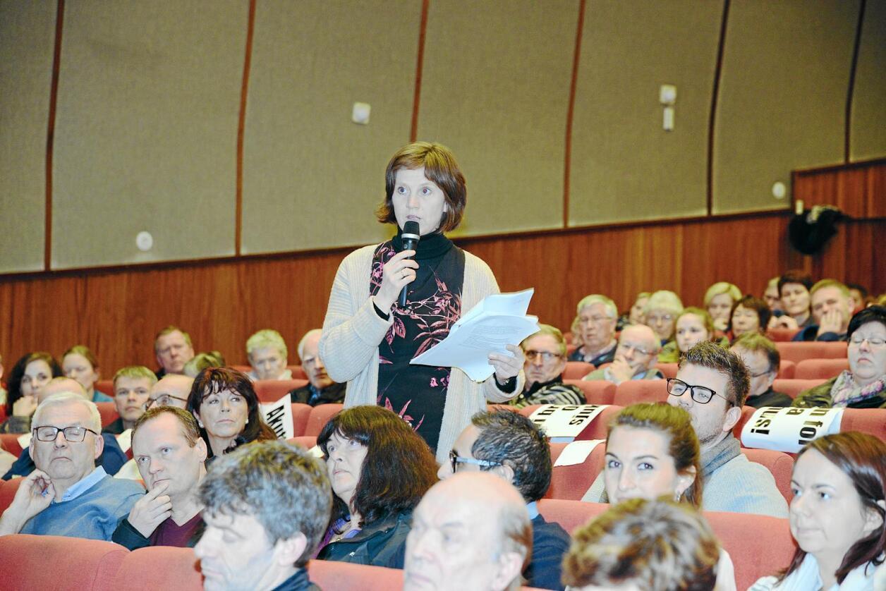 Kjersti Toppe (Sp) ber Ap stemme mot nedlegging av akuttkirurgi i Odda. Foto: Siri Juell Rasmussen