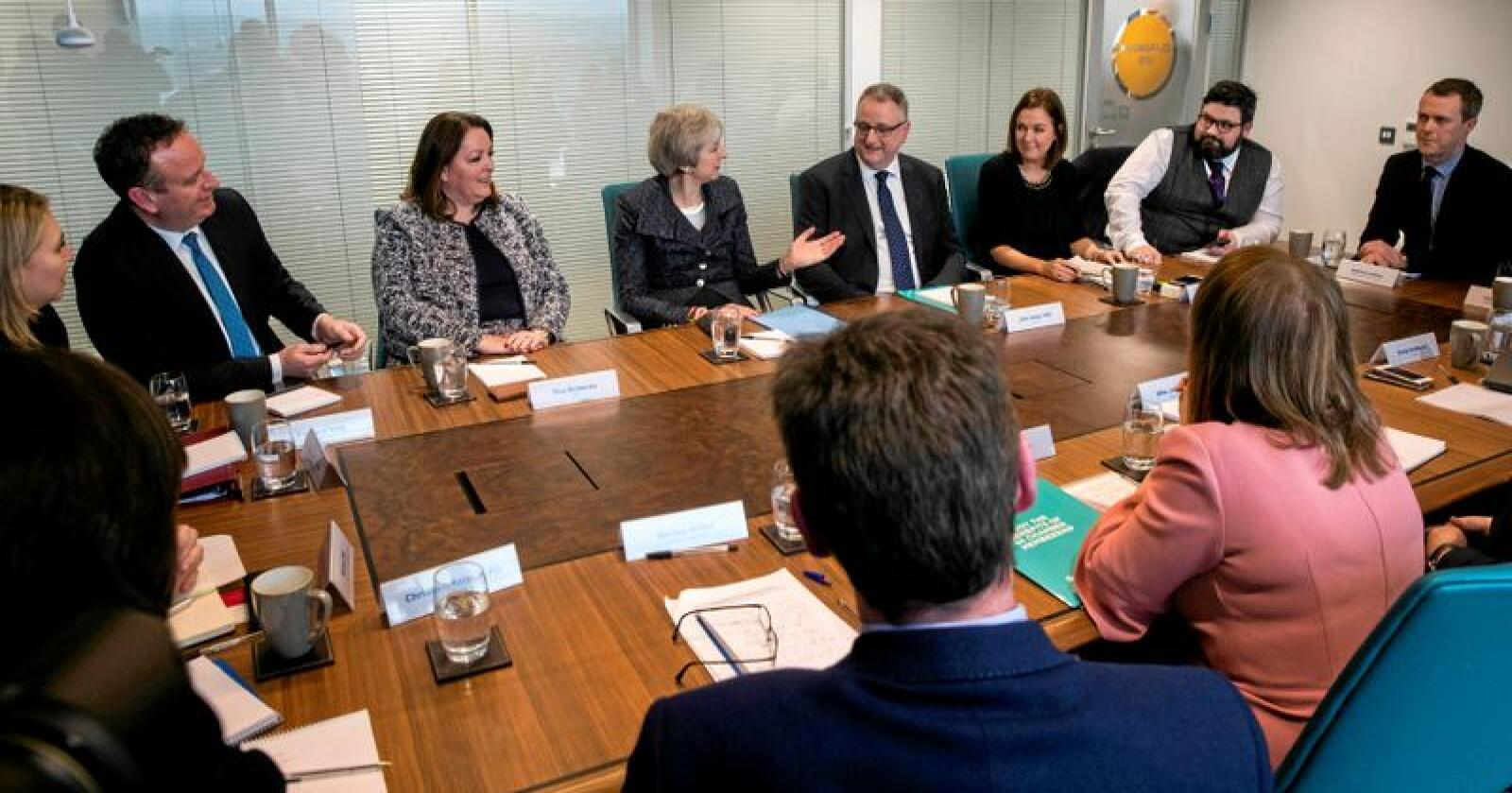 Tirsdag besøkte Storbritannias statsminister Theresa May Belfast i Nord-Irland, og møtte blant annet næringslivsledere. Foto: Liam McBurney / PA / AP / NTB scanpix