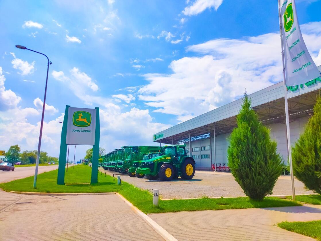 Flere tusen ansatte hos traktorprodusenten John Deere kan torsdag bli tatt ut i streik. Foto: Mostphotos