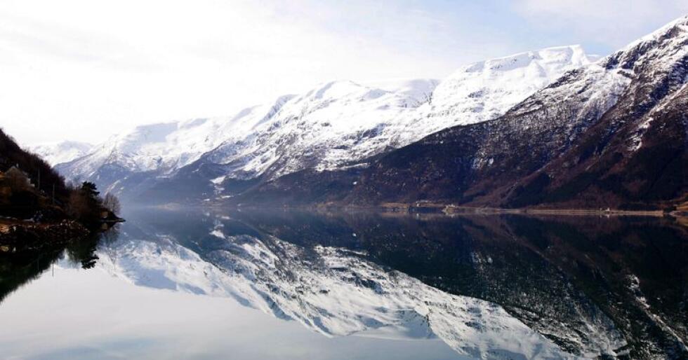 Heradsstyret i Kvam kommune har gått inn for å opne for akvakultur sør for Kvamsøy i Hardangerfjorden. Her ser vi Sørfjorden, som er ein arm av Hardangerfjorden. Foto: Håkon Mosvold Larsen / NTB scanpix / NPK