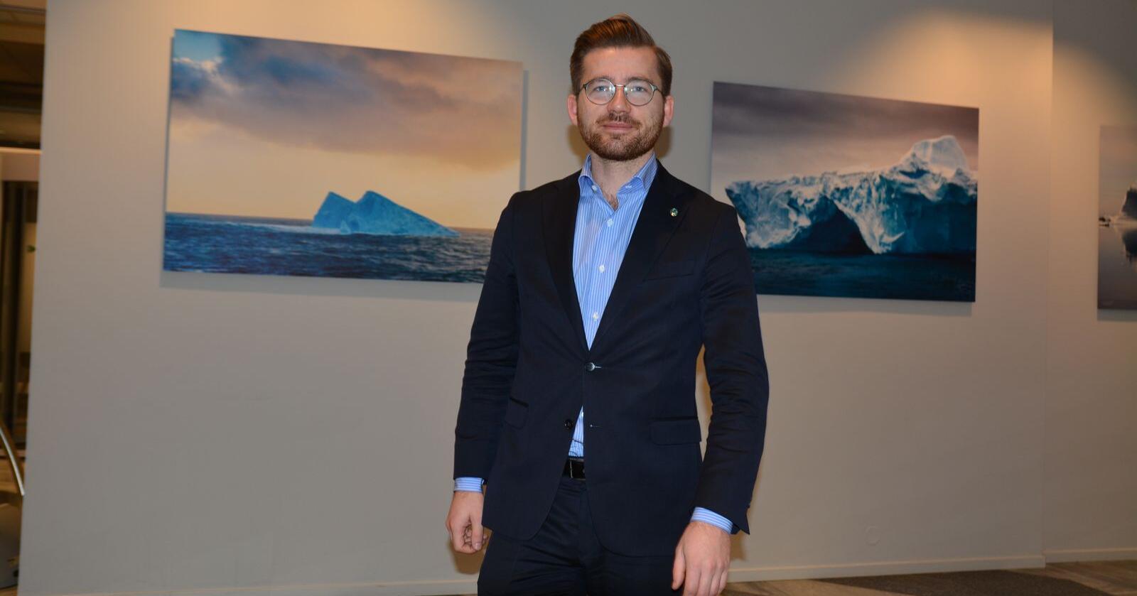 – Jeg mener det er viktig at Høyesterett tar endelig stilling til disse rettslige spørsmålene, slik at vi får en klargjøring av hvordan naturmangfaldlova er å forstå, sier klima- og miljøminister Sveinung Rotevatn (V). Foto: Anders Sandbu
