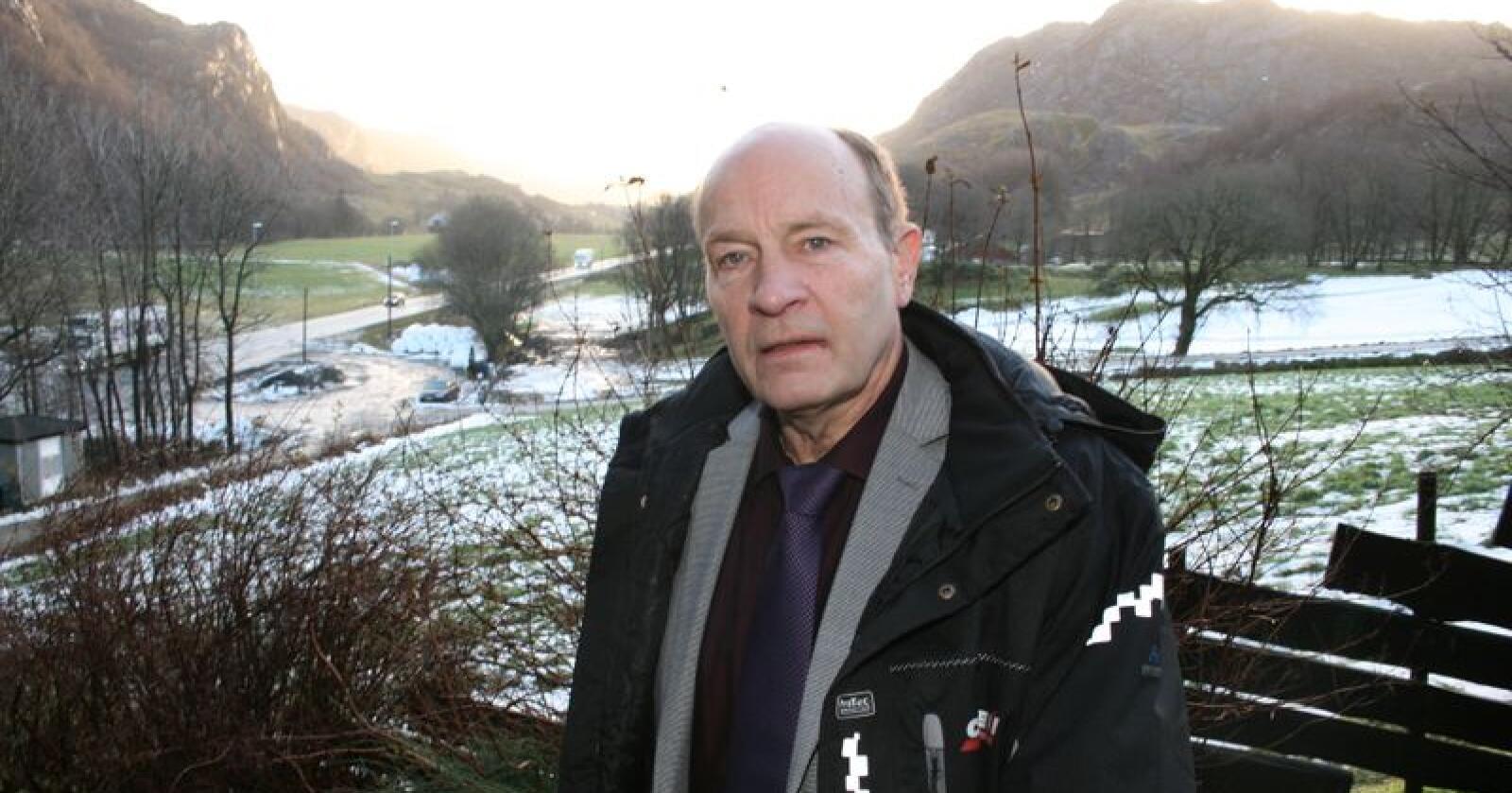 Olaf Gjedrem, leiar i jordvernforeininga i Rogaland, meiner Landbruket må ta sitt ansvar og takke nei til utbyggingsavtalar på jordbruksjord. Foto:  Bjarne Bekkeheien Aase