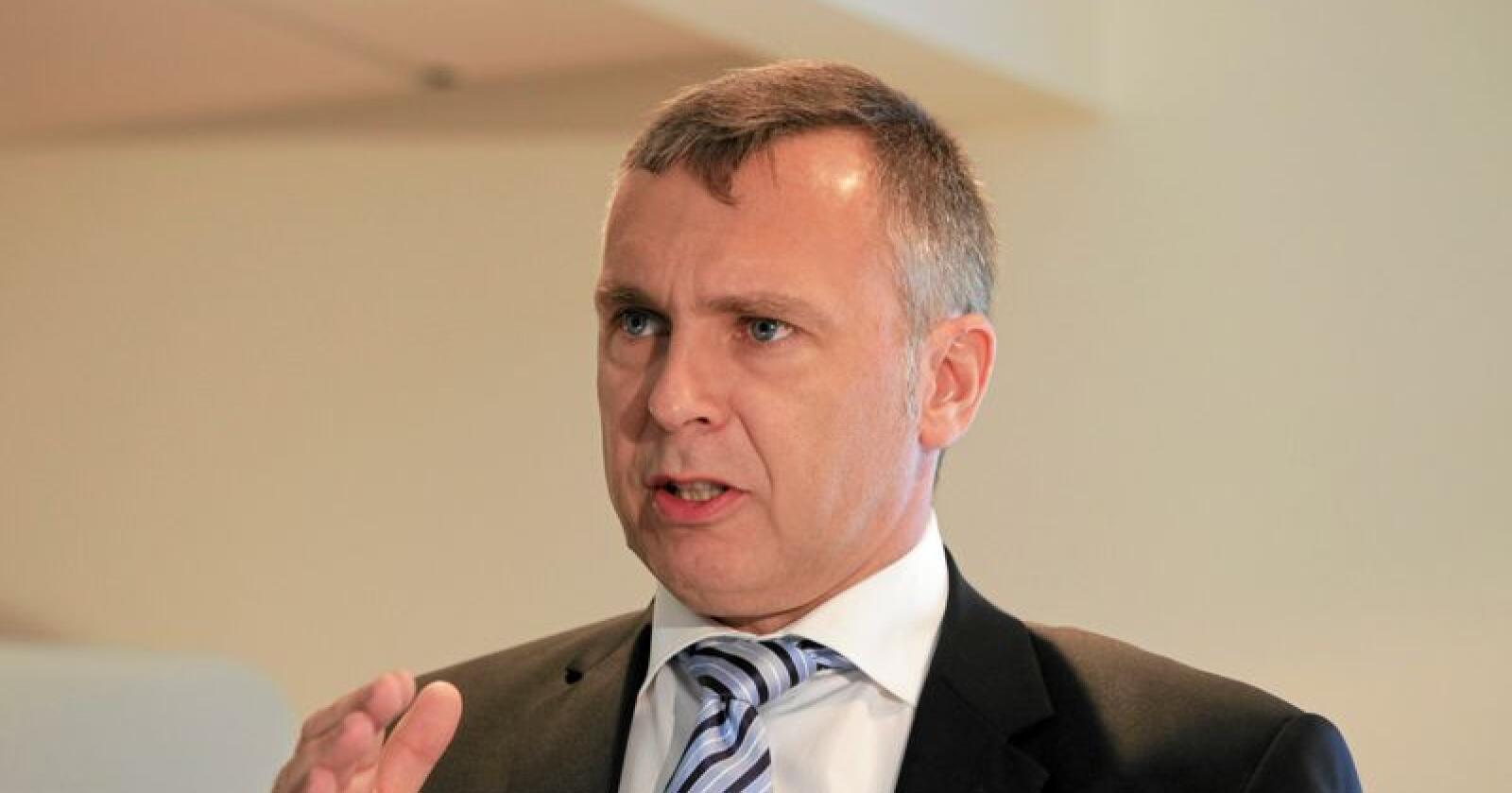 Produksjonen ved papirfabrikken i Albury i Australia stenger i desember når Norske Skog selger seg ut. Årsaken er mindre etterspørsel etter avispapir.