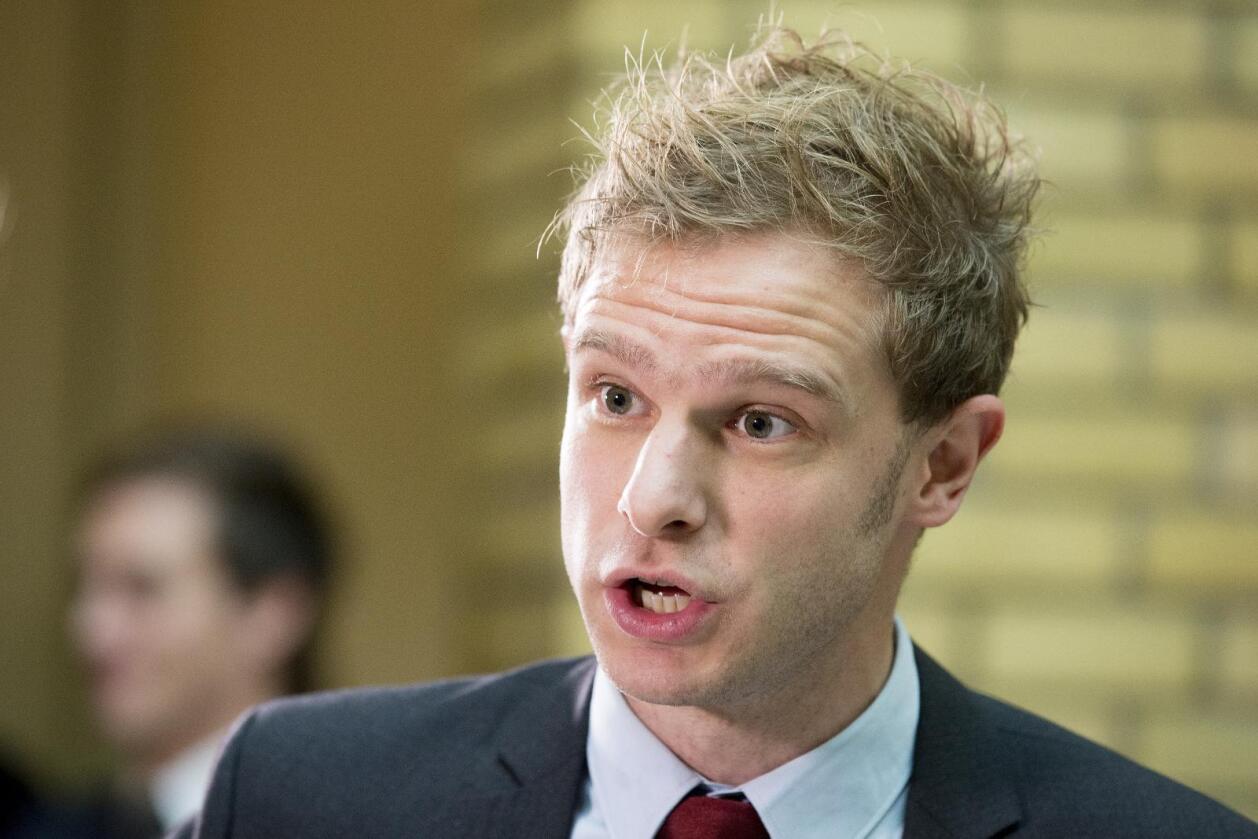 Snorre Valen (SV) mener regjeringen mangler vilje til å ta inn over seg de negative sidene ved forhandlingene om frihandelsavtaler. Foto: Håkon Mosvold Larsen/NTB SCANPIX