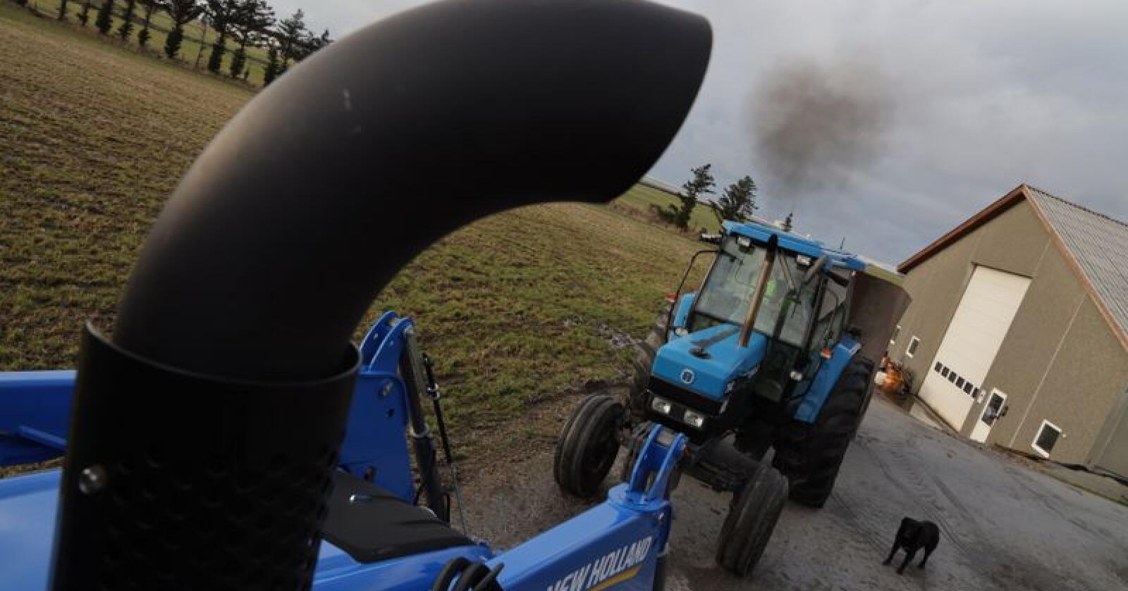 Stage V eksosrensing utslipp diesel New Holland 7840 *** Local Caption *** TR 2/19