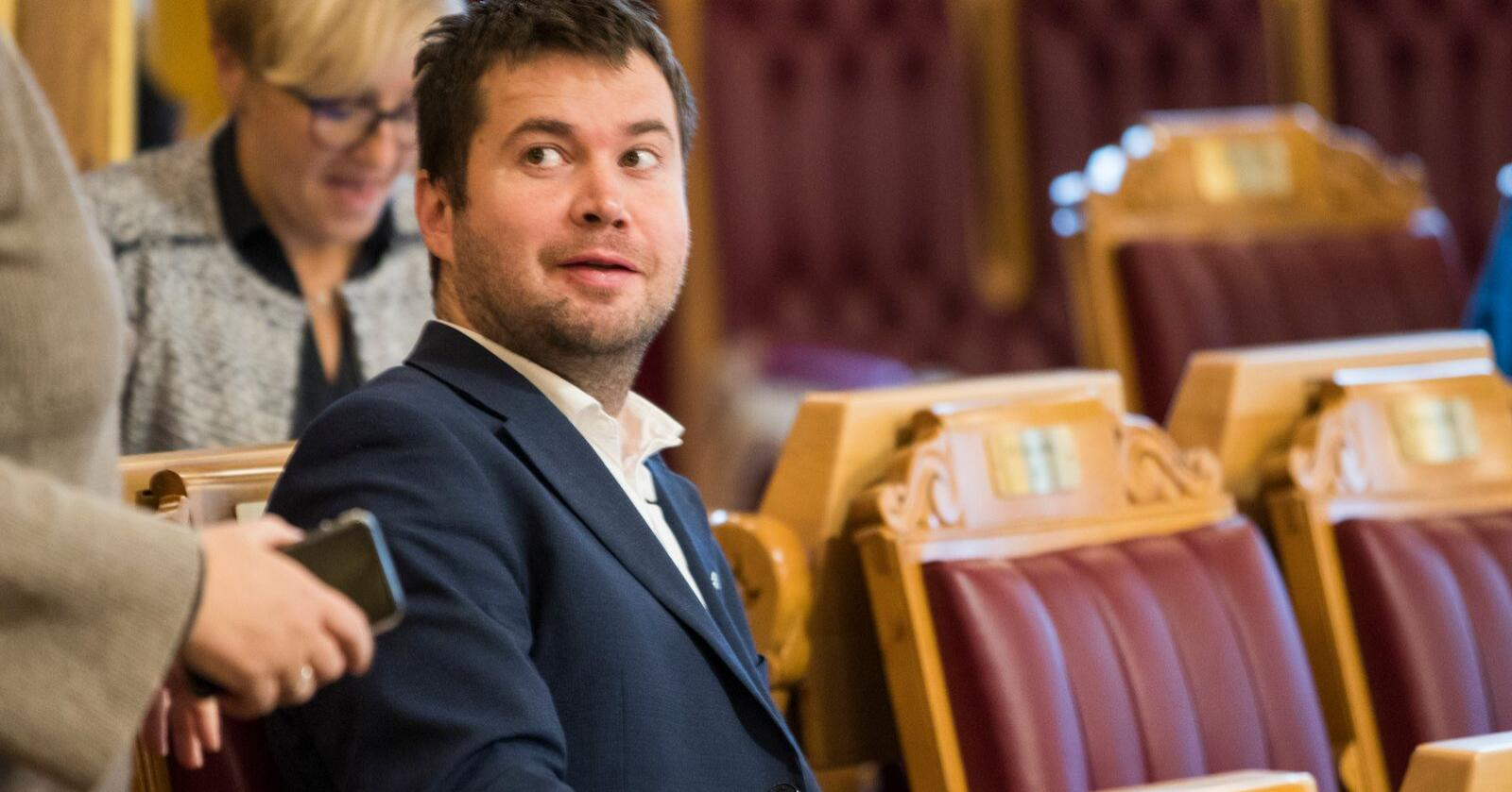 Lederen for Stortingets næringskomité, Geir Pollestad (Sp), ber landbruksministeren legge fram en redegjørelse om Mattilsynet for Stortinget. Foto: Berit Roald / NTB scanpix