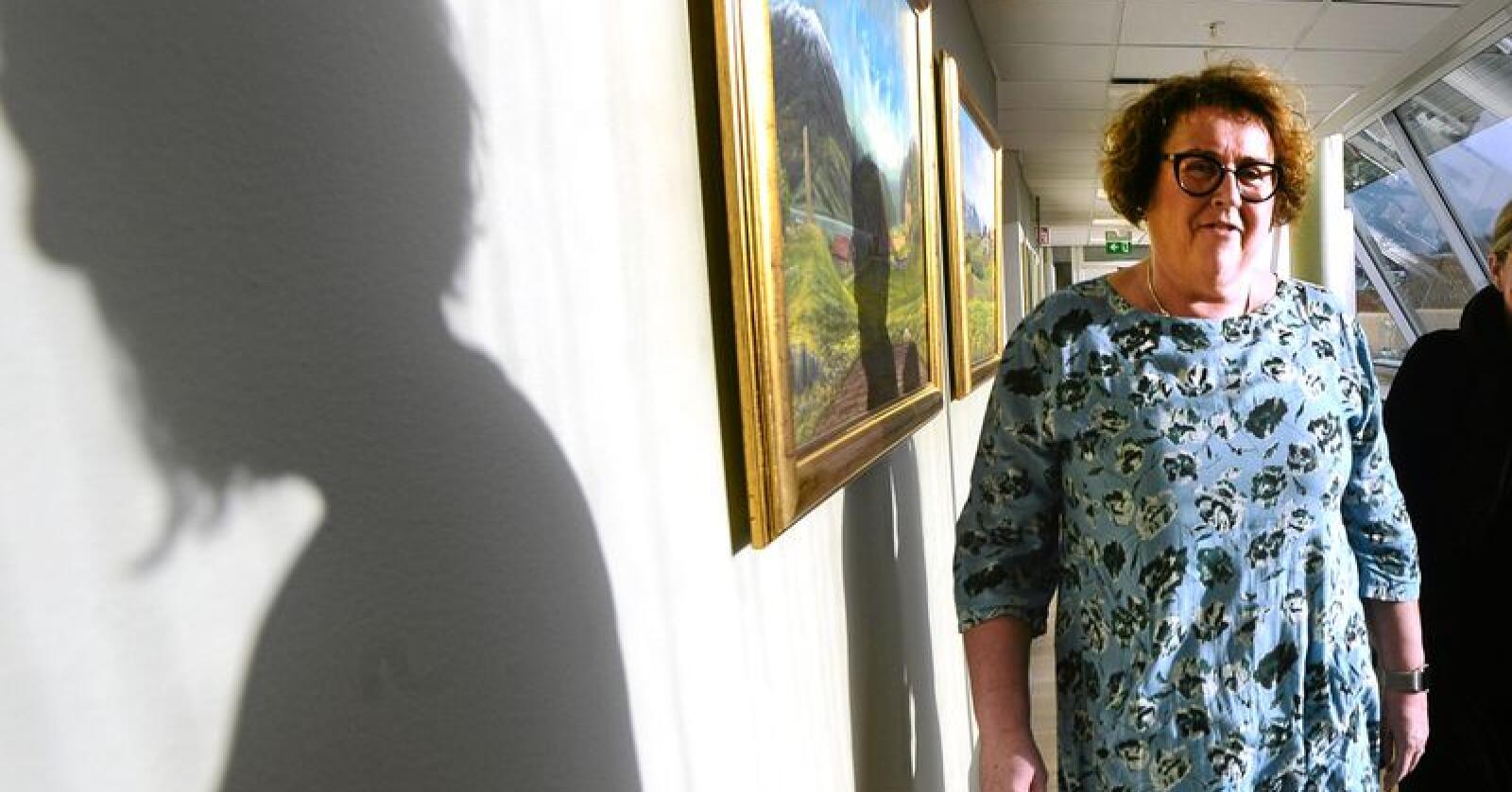 Olaug Bollestad beklager til bonden som har opplevd at Mattilsynet har gjort store feil. Foto: Siri Juell Rasmussen