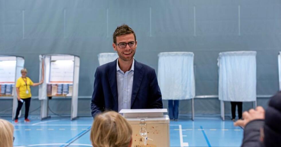 Pål Sverre Fikse, Senterpartiets ordførerkandidat i Verdal, kan smile hele veien inn til ordførerkontoret. I går sikra han partiet reint flertall og med det har en Ap-bastion falt. Foto: Håvard Zeiner