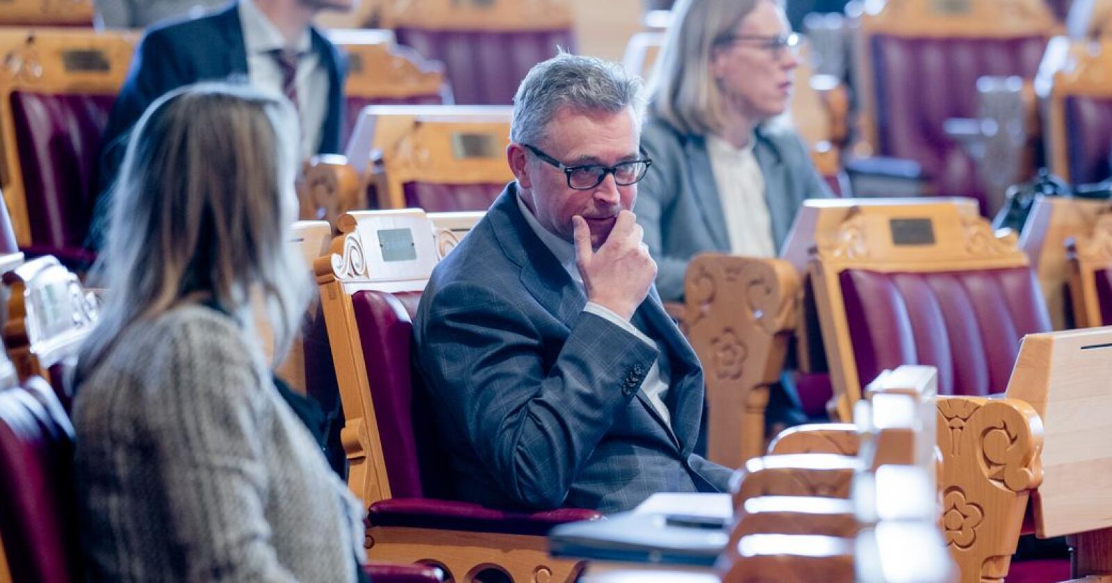 Fiskeriminister Odd Emil Ingebrigtsen (H) har vært i stortingssalen to dager på rad for å forsvare regjeringens kvotemelding. Foto: Stian Lysberg Solum / NTB scanpix