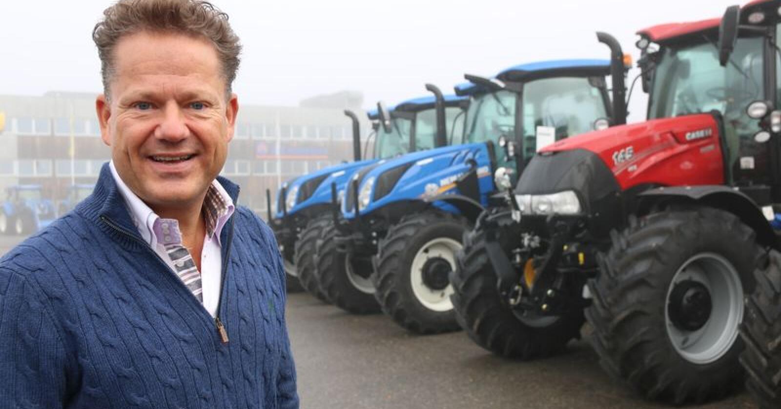 Administrerende direktør i A-K maskiner, Erik Grefberg forteller at traktorsalget blir første prioritet i 2020. Foto: Dag Idar Jøsang)