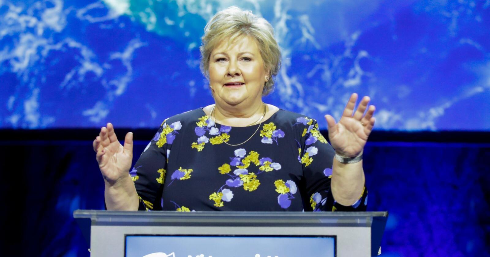 Statsminister Erna Solberg på talerstolen under Høyre  sitt landsmøte på Gardermoen. Foto: Vidar Ruud / NTB scanpix