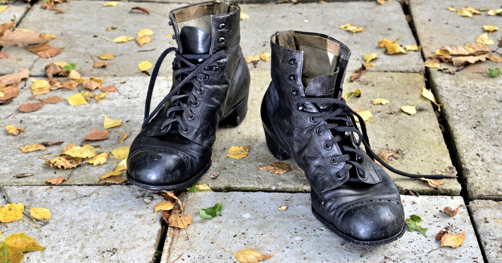 Sko og gjenoppbygging: Vi kan bestille kurs i kasting, eller gå til en skomaker som fortsatt kan håndverket. Foto: Edward Kirillov / Mostphotos