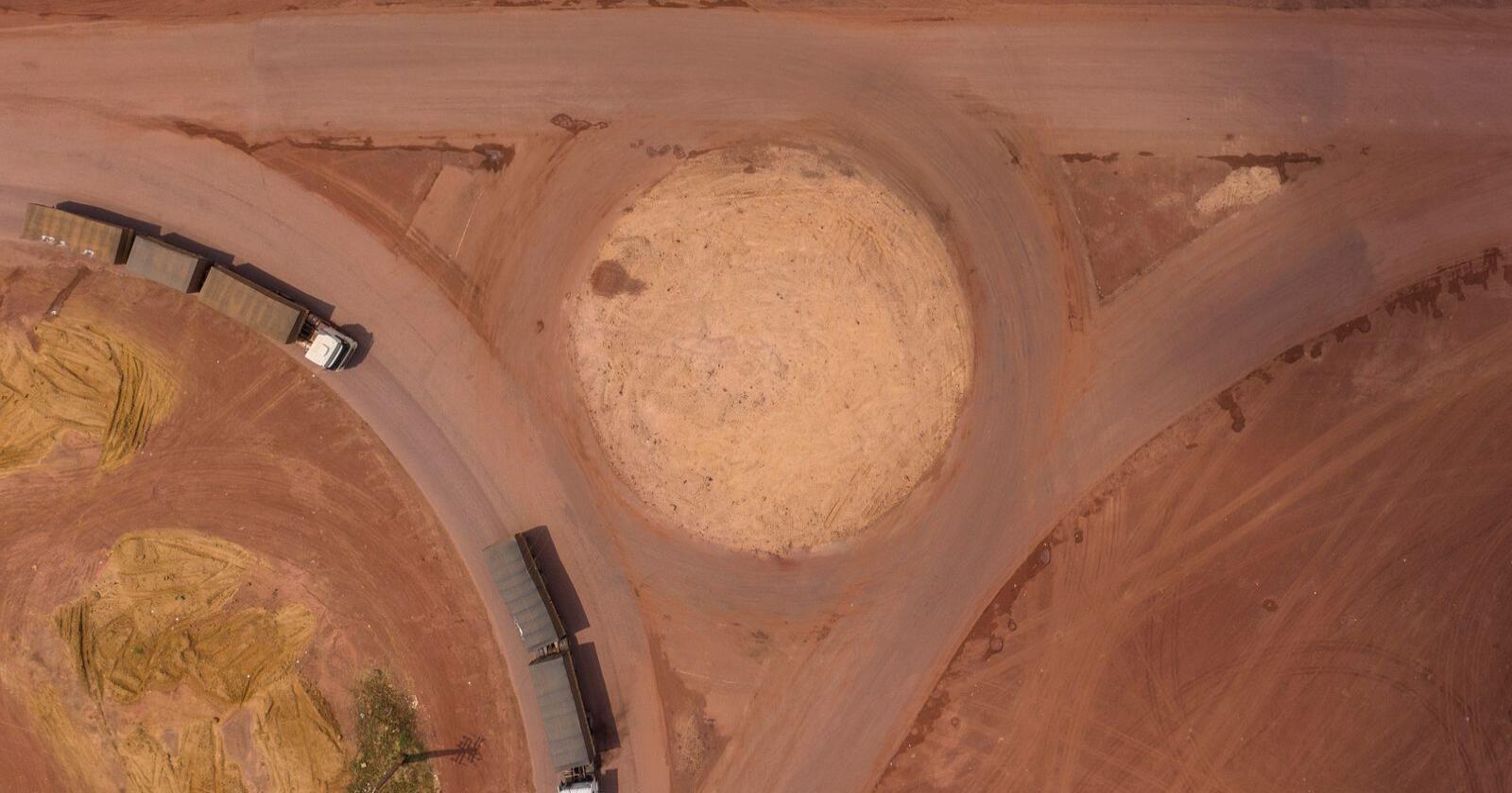 Avskogingen i Amazonas øker kraftig under Brasils høyrepopulistiske president Jair Bolsonaro. Bildet viser motorveien BR-163, som ble asfaltert gjennom delstaten Pará i Amazonas i fjor. Arkivfoto: Leo Correa / AP / NTB scanpix