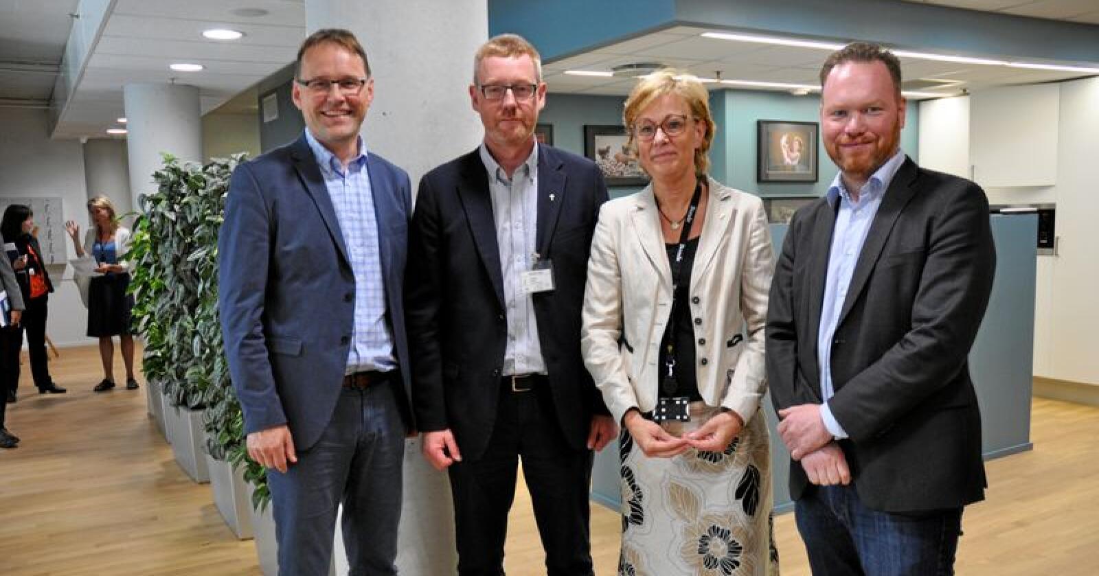 Bondelaget og regjeringen møttes torsdag. Fra venstre Widar Skogan, Bjørn Gimming, Sigrid Hjørnegård, Magnus Thue. Foto: Lotte Brudevoll
