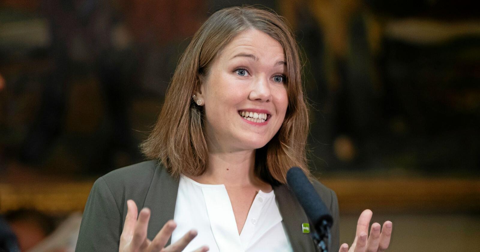 Misvisande: MDG-leiar Une Bastholm  bruker 5107 teikn, inkludert mellomrom, på å vere misvisande om klimapolitikken til regjeringa, skriv miljø- og klimaminister Sveinung Rotevatn (V). Foto: Terje Pedersen / NTB