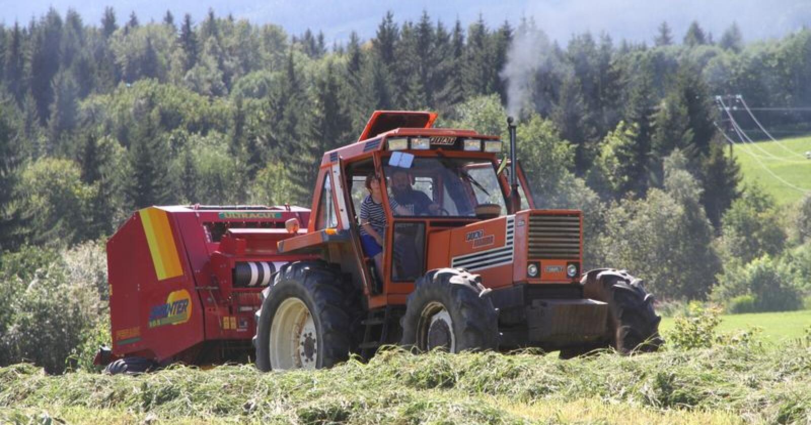 Italienske Fiat trollbandt den norske traktorkunden med sin solide kontruksjon og tiltalende design. (Foto: Arkivfoto, Traktor)