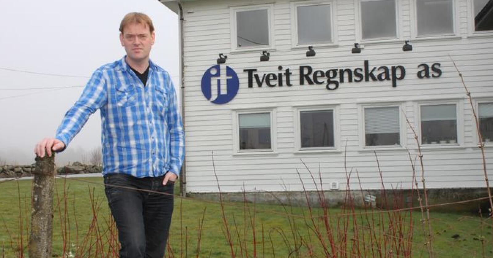 RETT TID: Andreas Lundegård trur det er ei god tid for sauebønder å starte planlegginga av nye driftsbygningar til sau.