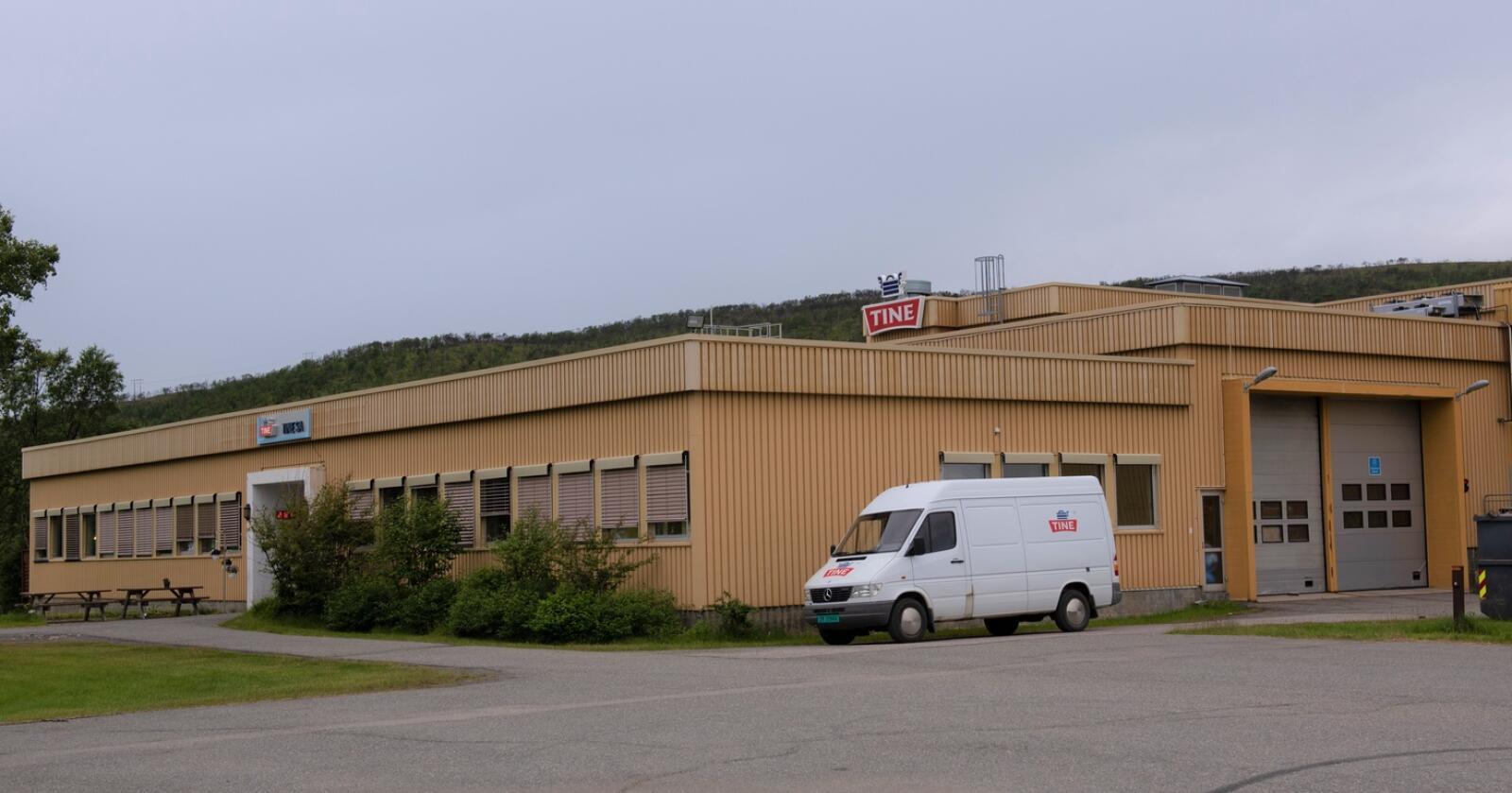 Består: Tine har besluttet å ikke legge ned dette anlegget i Tana. Det samme gjelder i Alta. (Foto: Tine)