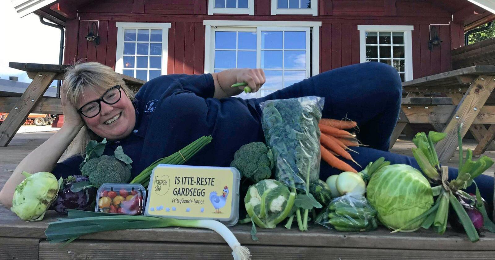 Louise Gjør er bonden bak Fredheim Gårdsutsalg, som er tildelt tittelen Norges beste gårdsbutikk.  Foto: Privat
