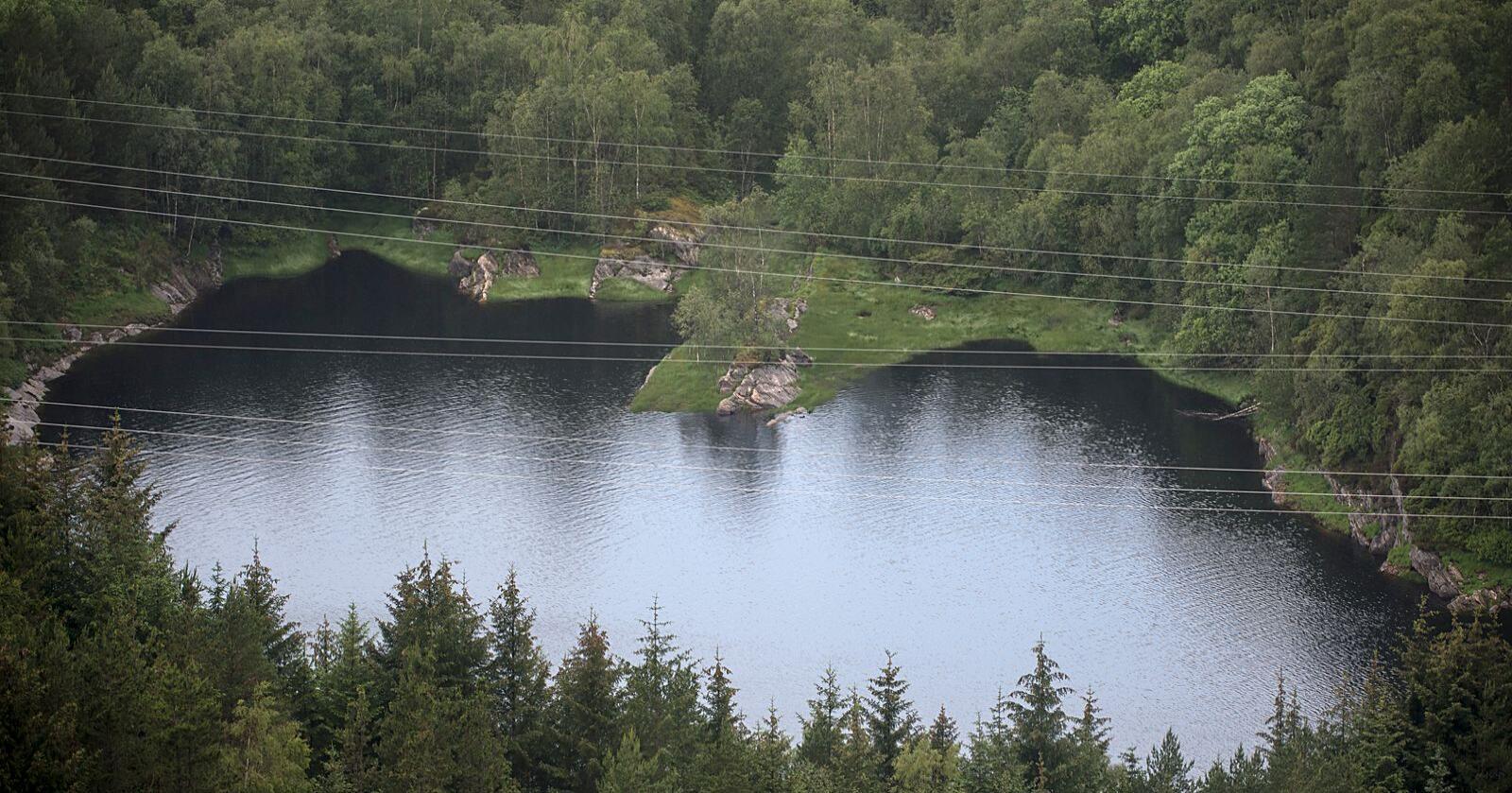 Stort sett trygt vann: Men her ved Kleppe vannverk på Askøy gikk det galt i 2019. Bakterier gjorde omlag 2000 syke. Foto: Marit Hommedal / NTB
