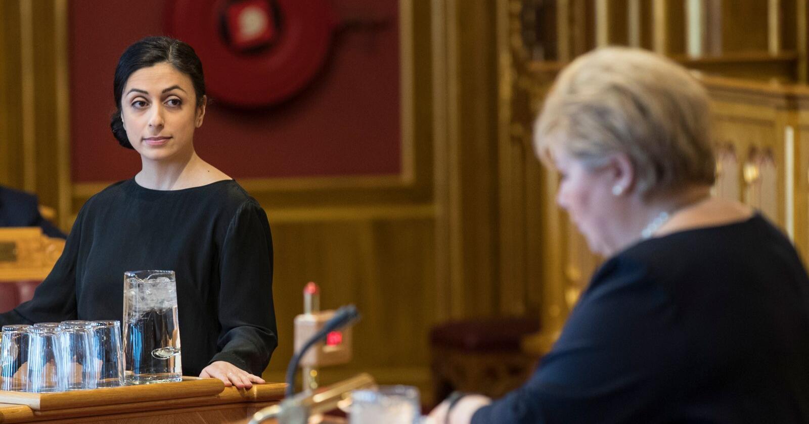 Ap-nestleder Hadia Tajik kritiserer regjeringens grep om skatteinnkreving, hvor staten skal overta ansvaret fra kommunene. Foto: Vidar Ruud / NTB scanpix