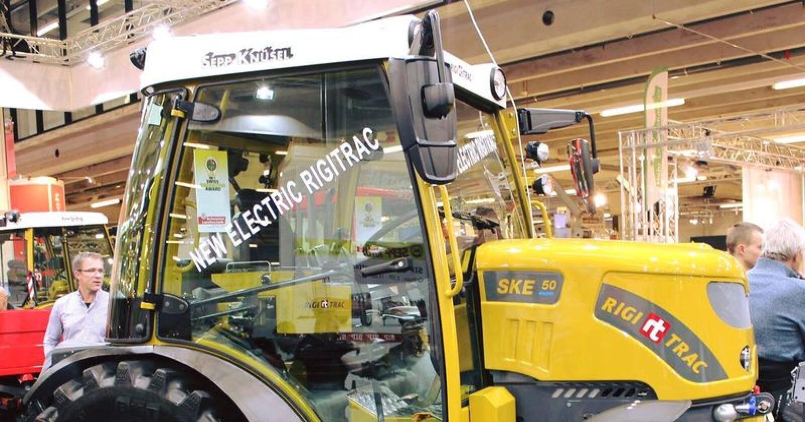 Elektrisk: Rigitrac SKE 50 Electric ble vist på landbruksmessa AGRAMA i Sveits. Det er batteriprodusenten Ecovolta som har publisert bildet på sin Facebook-side. Foto: Ecovolta