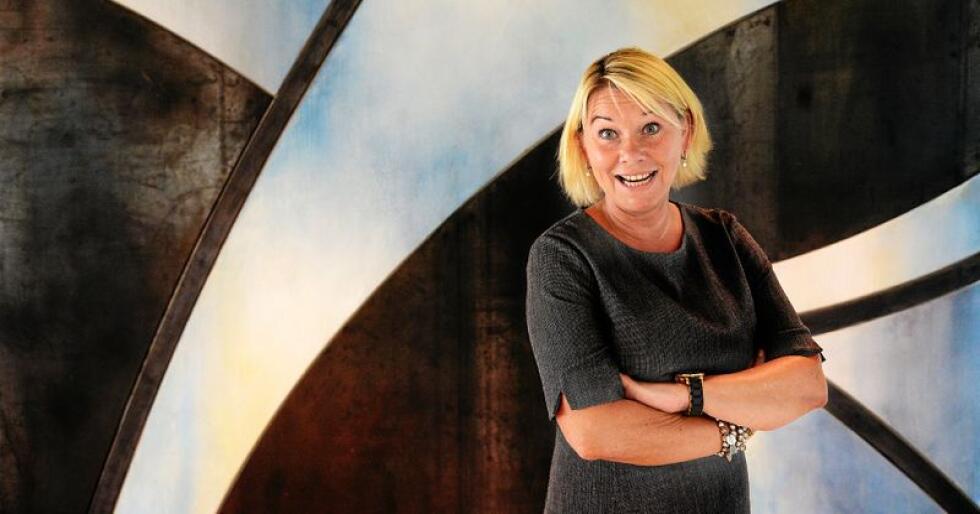 Monica Mæland (H), kommunal- og moderniseringsminister, er glad på vegne av nærbutikkene i distriktet som nå kan få statlig støtte. Foto: Siri Juell Rasmussen